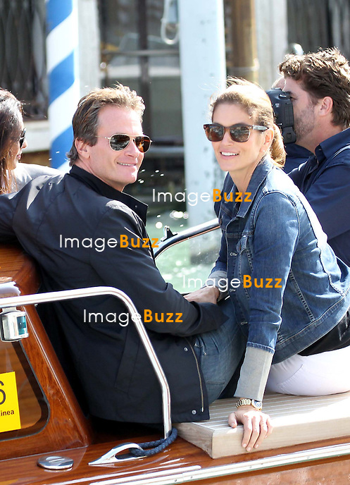 Cindy Crawford, Rande Gerber -  GEORGE CLOONEY &amp; AMAL ALAMUDDIN ARRIVE IN VENICE FOR THE WEDDING - <br /> George Clooney &amp; British fiancee Amal Alamuddin arriving in Venice with guests, prior to their wedding day. <br /> The couple and their guests took a taxi boat called 'Amore'.<br /> Robert De Niro, Matt Damon, Brad Pitt and Cate Blanchett were among the other stars, like Cindy Crawford, Rande Gerber, Bill Murray, Emily Blunt.<br /> Italy, Venice, 26 September, 2014.