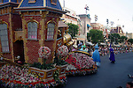 FLOWER COVERED FLOAT AT DISNEYLAND PARADE