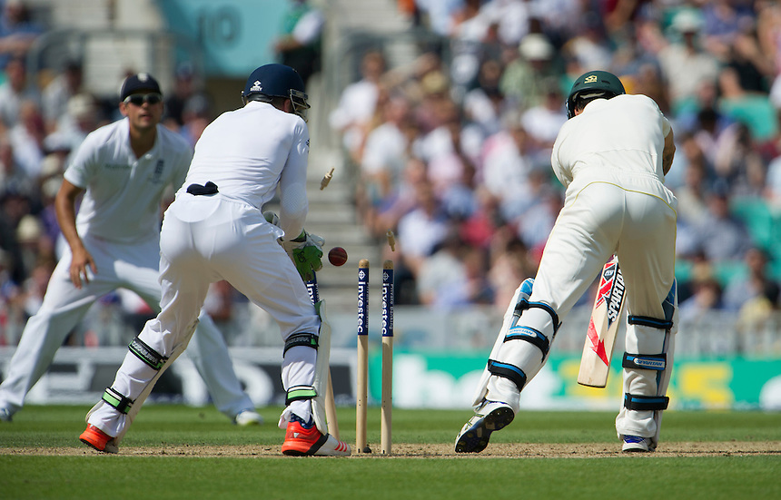 Australia's Mitchell Johnson clean bowled by England's Moeen Ali for 0<br /> <br /> Photographer Ashley Western/CameraSport<br /> <br /> International Cricket - Investec Ashes Test Series 2015 - Fifth Test - England v Australia - Day 2 - Friday 21st August 2015 - Kennington Oval - London<br /> <br /> &copy; CameraSport - 43 Linden Ave. Countesthorpe. Leicester. England. LE8 5PG - Tel: +44 (0) 116 277 4147 - admin@camerasport.com - www.camerasport.com