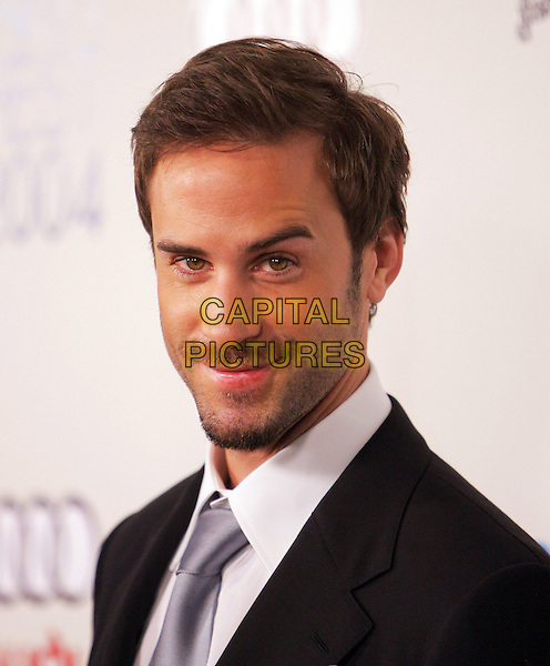 "JOSEPH FIENNES.The Sony Picture Classics' Premiere of ""William Shakespeare's The Merchant of Venice"" which was part of the AFI Fest 2004 held at The Cinerama Dome in Hollywood, California .November 9th, 2004.headshot, portrait, mustache, goatee, facial hair.www.capitalpictures.com.sales@capitalpictures.com.©Debbie Van Story/Capital Pictures"