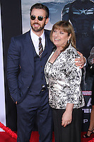 """HOLLYWOOD, LOS ANGELES, CA, USA - MARCH 13: Chris Evans at the World Premiere Of Marvel's """"Captain America: The Winter Soldier"""" held at the El Capitan Theatre on March 13, 2014 in Hollywood, Los Angeles, California, United States. (Photo by Xavier Collin/Celebrity Monitor)"""