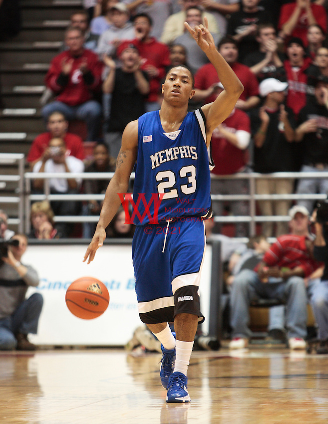 University of Memphis vs University of Cincinnati Men's Basketball, 12/19/2007. .University of Memphis vs University of Cincinnati Men's Basketball final score 79 to 69 Memphis Winning, 12/19/2007.