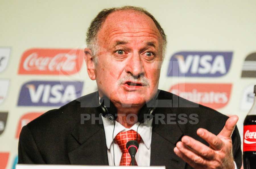 SAO PAULO, SP, 01 DEZEMBRO  2012 - SORTEIO COPA DAS CONFEDERACOES  - Luiz Felipe Scolari tecnico do Brasil coletiva de imprensa apos sorteio dos grupos da Copa das Confederacoes  2013 neste sabado no Parque Anhembi regiao norte da capital paulista. FOTo: WILLIAM VOLCOV - BRAZIL PHOTO PRESS.