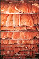 A Calvisano ( provincia di Brescia) l'Agroittica Lombarda alleva storioni per produrre caviale e lavora altri tipi di pesce come salmoni