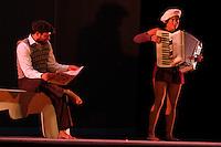MANIZALES-COLOMBIA. 30-08-2013. Presentación de la obra ZOOM,  de la compañía, LA GATA CIRCO, de Colombia durante la inauguración del XXXVI Festival Internacional de Teatro de Manizales, Colombia. Presentation of the work ZOOM by LA GATA CIRCO company during the launch of XXXVI International Theatre Festival of Manizales, Colombia.Photo: VizzorImage/Yonboni/STR