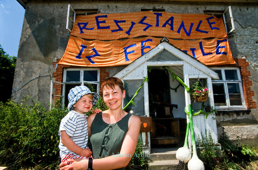 Caroline Lucas MP. <br /> Demonstration against genetically modified  crops at Watlington, Oxfordshire.<br /> Protesters set up a  dig you own vegetable garden in an empty plot and house .<br /> One of the earliest examples of guerilla gardening