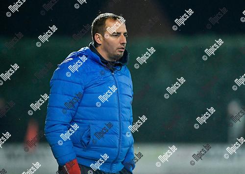 2016-11-12 / voetbal / seizoen 2016-2017 / Oosterzonen - Hasselt / Stijn Stijnen, coach van Hasselt