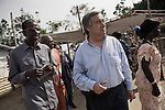 Antonio Guterres au camp des refugies ivoiriens de Bahn au Liberia le 22 mars 2011 - Antonio Guterres at the ivorian refugee camp of Bahn in Liberia, on march 22 2011