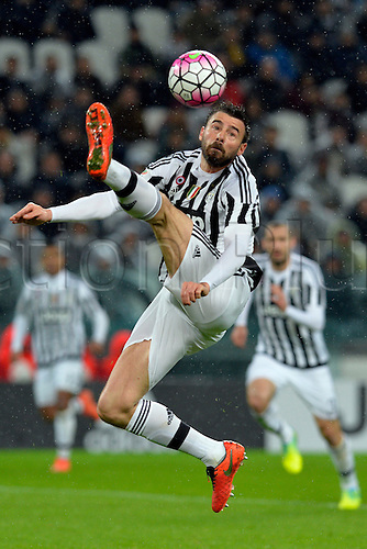 28.02.2016. Juventus Stadium, Turin, Italy. Serie A Football. Juventus versus Inter Milan. Andrea Barzagli controls a high ball