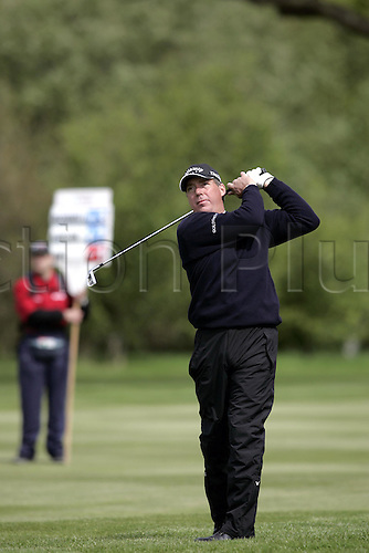 13 May 2005: English golfer Barry Lane looks into the distance after playing an iron from the rough during the second round of the The Daily Telegraph Dunlop Masters played at the Forest of Arden, Warwickshire. Photo: Neil Tingle/Actionplus..050513 golf golfer player