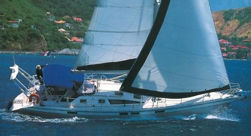 Ovni 435 sailing