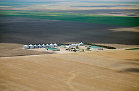 Farm in western Kansas. May 2014. 83919