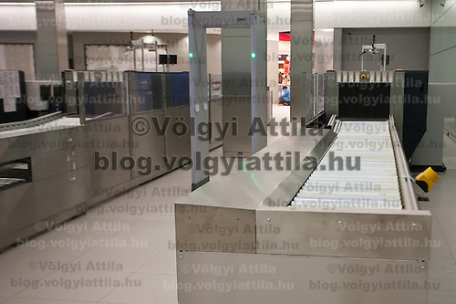 Security checkpoint in the new Skycourt building at the Budapest Airport in Budapest, Hungary on March 08, 2011. ATTILA VOLGYI