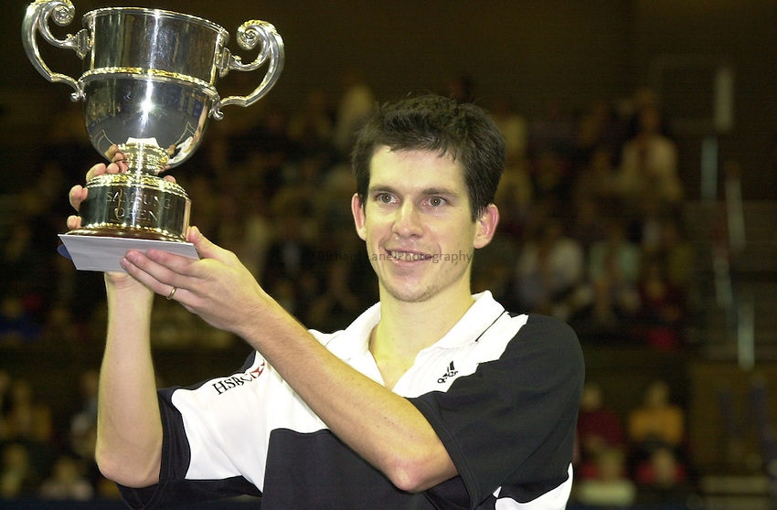 Photo:Rene Solari.26/11/00 Brighton Samsung Open.  .Tim Henman plays against d.hrbaty in the final..