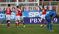 BOGOTA -COLOMBIA- 26 -10--2013. Accion de juego correspondiente al partido entre los equipos Independiente Santa Fe y Deportivo Pasto, encuentro de la fecha dieciseisava de la  Liga Postobon segundo semestre jugado en el estadio de Techo  / Action game for the match between the teams Independiente Santa Fe and Deportivo Pasto, date sixteenth meeting of the Postobon  League second half played in the Techo stadium .Photo: VizzorImage / Felipe Caicedol / Staff