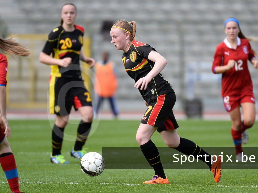 20140407 - BRUSSELS , BELGIUM : Belgian Silke Leynen pictured during the female soccer match between CZECH REPUBLIC U19 and BELGIUM U19 , in the second game of the Elite round in group 4 in the UEFA European Women's Under 19 competition 2014 in the Koning Boudewijn Stadion , Monday 7 April 2014 in Brussels . PHOTO DAVID CATRY