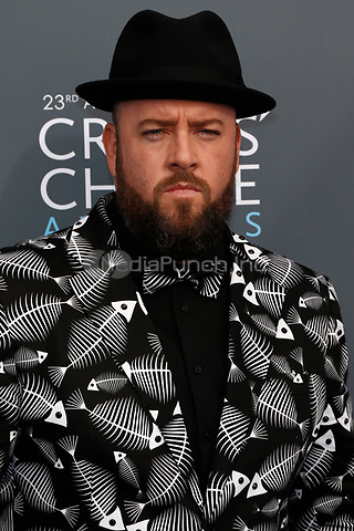 Chris Sullivan attends the 23rd Annual Critics' Choice Awards at Barker Hangar in Santa Monica, Los Angeles, USA, on 11 January 2018. Photo: Hubert Boesl - NO WIRE SERVICE - Photo: Hubert Boesl/dpa /MediaPunch ***FOR USA ONLY***