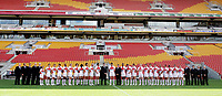 PICTURE BY VAUGHN RIDLEY/SWPIX.COM - Rugby League - Rugby League World Cup 2008 - England Training Session - Suncorp Stadium, Brisbane, Australia - 13/11/08...Copyright - Simon Wilkinson - 07811267706...England Squad lineup for panoramic team group picture at Suncorp Stadium.