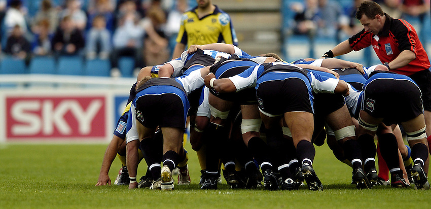 Photo: Jonathan Butler..Bath Rugby v Clermont Auvergne. European Challenge Cup Final. 19/05/2007..Scrum down.