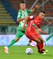 MEDELLÍN - COLOMBIA, 01-08-2018: Juan Pablo Ramírez (Izq.) jugador de Atlético Nacional disputa el balón con Andrés Ávila (Der.), jugador de Patriotas Boyacá, durante partido de la fecha 3 entre Atlético Nacional y Patriotas Boyacá, por la Liga Águila II 2018, jugado en el estadio Atanasio Girardot de la ciudad de Medellín. / Juan Pablo Ramirez (L) player of Atletico Nacional vies for the ball with Andres Avila (R), player of Patriotas Boyaca, during a match of the 3rd date between Atletico Nacional and Patriotas Boyaca for the Aguila League II 2018, played at Atanasio Girardot stadium in Medellin city. Photo: VizzorImage / León Monsalve / Cont.