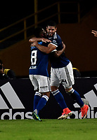 BOGOTA - COLOMBIA - 01 – 04 - 2018: Cesar Carrillo, jugador de Millonarios, celebra con sus compañeros de equipo después de anotar el segundo gol de su equipo, durante partido de la fecha 12 entre Millonarios y Atletico Bucaramanga, por la Liga Aguila I 2018, jugado en el estadio Nemesio Camacho El Campin de la ciudad de Bogota. / Cesar Carrillo, player of Millonarios celebrates with his teammates after scoring the second goal of his team, during a match of the 12th date between Millonarios and Atletico Bucaramanga,  for the Liga Aguila I 2018 played at the Nemesio Camacho El Campin Stadium in Bogota city, Photo: VizzorImage / Luis Ramirez / Staff.
