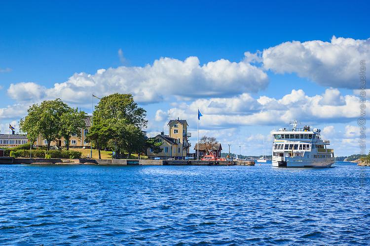 Waxholmsbåten Dalarö i Sandhamn i Stockholms skärgård.