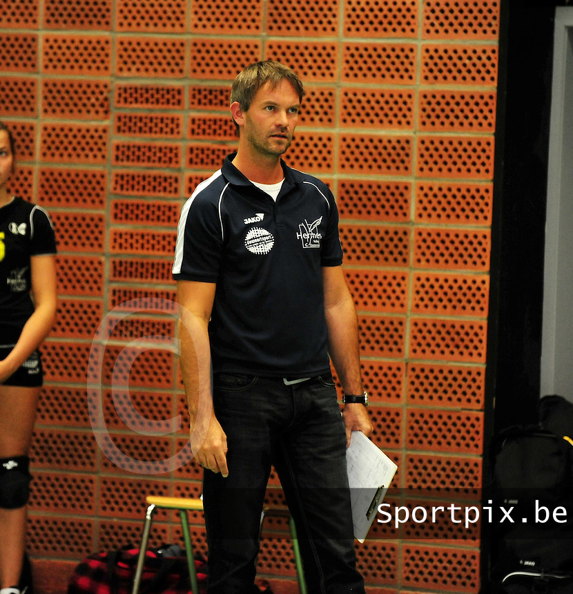 Hermes Oostende : Coach Dries Wittebolle.foto VDB / BART VANDENBROUCKE