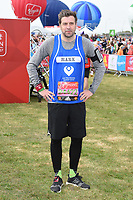 Mark Chapman at the start of the 2017 London Marathon on Blackheath Common, London, UK. <br /> 23 April  2017<br /> Picture: Steve Vas/Featureflash/SilverHub 0208 004 5359 sales@silverhubmedia.com