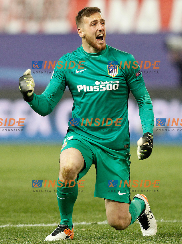 Atletico de Madrid's Jan Oblak celebrates goal during Champions League 2015/2016 Quarter-Finals 2nd leg match. April 13,2016. (ALTERPHOTOS/Acero) <br /> Madrid 13/4/2016 Vicente Calderon <br /> Football Calcio 2015/2016<br /> Champions League Quarti di finale <br /> Atletico Madrid - Barcellona <br /> Foto Alterphotos / Insidefoto <br /> ITALY ONLY