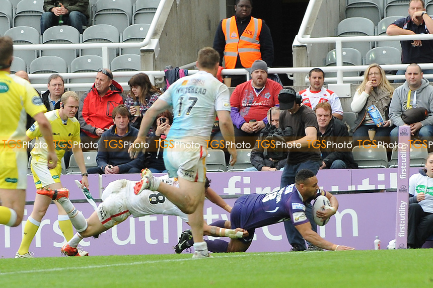 Jodie Broughton scores a try for Huddersfield Giants - Super League Magic Weekend Rugby at St James Park, Newcastle United FC - 31/05/15 - MANDATORY CREDIT: Steven White/TGSPHOTO - Self billing applies where appropriate - contact@tgsphoto.co.uk - NO UNPAID USE