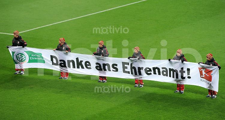 FUSSBALL   1. BUNDESLIGA  SAISON 2011/2012   13. Spieltag FC Bayern Muenchen - Borussia Dortmund        19.11.2011 DFB BANNER DANKE ANS EHRENMAMT