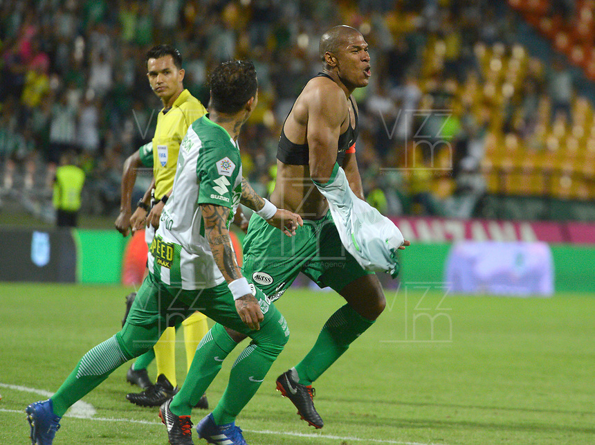MEDELLÍN - COLOMBIA ,30-09-2018:Alexis Henriquez jugador del Atlético Nacional celebra su gol contra el Boyacá Chicó durante partido por la fecha 12 de la Liga Águila II 2018 jugado en el estadio Atanasio Girardot de la ciudad de Medellín. /Alexis Henriquez player of Atletico Nacional celebrates his goal agaisnt of Boyaca Chico during the match for the date 12 of the Liga Aguila II 2018 played at the Atanasio Girardot  Stadium in Medellin  city. Photo: VizzorImage /León Monsalve / Contribuidor.