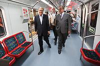 SAO PAULO, SP, 23.09.2013 - AGENDA GERALDO ALCKMIN - <br /> O governador de Sao Paulo Geraldo Alckmin faz trajeto de trem at&eacute; a esta&ccedil;&atilde;o J&uacute;lio Prestes apos assinatura da ordem de servi&ccedil;o para o in&iacute;cio das obras de implanta&ccedil;&atilde;o da Linha 13-Jade, que ligar&aacute; a capital ao aeroporto internacional de Guarulhos, e da extens&atilde;o da Linha 9-Esmeralda at&eacute; Varginha, extremo Sul da Capital, ambas da CPTM (Companhia Paulista de Trens Metropolitanos).Na ocasi&atilde;o, o governador tamb&eacute;m faz a entrega dos &uacute;ltimos seis trens da s&eacute;rie 8000 para a Linha 8-Diamante, completando o lote de 36 trens adquiridos por meio de PPP  Parceria P&uacute;blico Privada. Ato realizado na Estacao Palmeiras-Barra Funda regiao oeste de Sao Paulo nesta segunda-feira, 23. (Foto: Vanessa Carvalho / Brazil Photo Press).