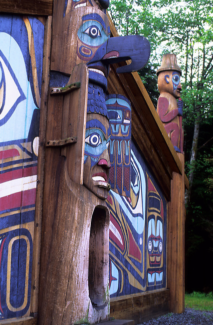 USA,ALASKA,INSIDE PASSAGE, KETCHIKAN, TOTEM BIGHT STATE PARK, TLINGIT LONGHOUSE ENTRANCE