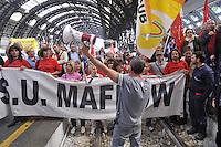 - Milan, metalworkers of factories in crisis block for protest  the Central Station<br /> <br /> - Milano, gli operai metalmeccanici delle fabbriche in crisi occupano per protesta la Stazione Centrale