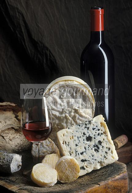 Gastronomie générale / Fromages: Plateau de fromages  de France : AOC Rocamadour, AOC Sainte-Maure de Touraine, AOC Roquefort, AOC Camembert de Normandie