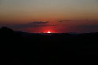CAMANDUCAIA, MG, 10.08.2019 - CLIMA-SP - Pôr do Sol visto no Distrito de Monte Verde, em Camanducaia, Minais Gerais, neste sábado, 10. (Foto Charles Sholl/Brazil Photo Press/Folhapress)