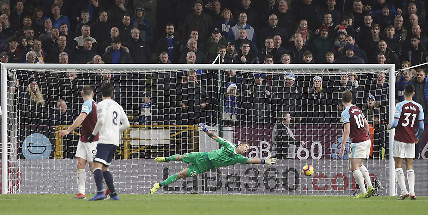 Burnley's Joe Hart concedes a fourth goal, scored by Everton's Lucas Digne (not pictured)<br /> <br /> Photographer Rich Linley/CameraSport<br /> <br /> The Premier League - Burnley v Everton - Wednesday 26th December 2018 - Turf Moor - Burnley<br /> <br /> World Copyright © 2018 CameraSport. All rights reserved. 43 Linden Ave. Countesthorpe. Leicester. England. LE8 5PG - Tel: +44 (0) 116 277 4147 - admin@camerasport.com - www.camerasport.com
