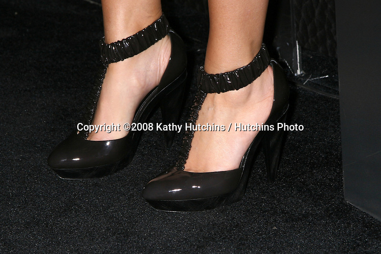 Maria Menounos arriving at the Blackberry Bold Event in Beverly HIlls, CA on .October 30, 2008.©2008 Kathy Hutchins / Hutchins Photo...                .
