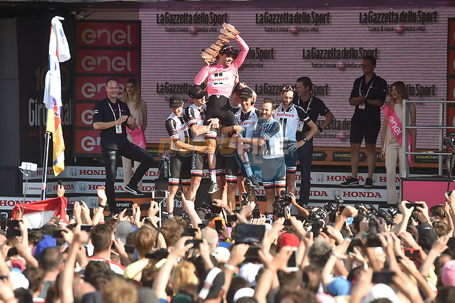 Tom Dumoulin (NED) wins the 2017 Giro d'Italia pictured on the podium with his Team Sunweb team mates at the end of Stage 21, the final stage of the 100th edition of the Giro d'Italia 2017, an individual time trial running 29.3km from Monza Autodrome to Milan Duomo, Italy. 28th May 2017.<br /> Picture: LaPresse/Massimo Paolone | Cyclefile<br /> <br /> <br /> All photos usage must carry mandatory copyright credit (&copy; Cyclefile | LaPresse/Massimo Paolone)