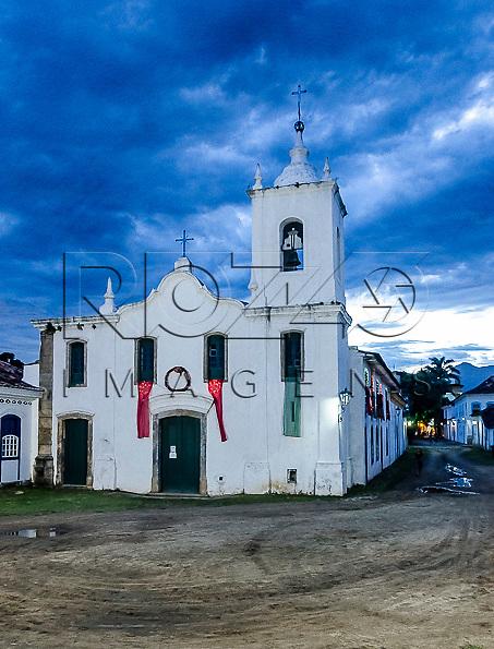 Igreja Nossa Senhora das Dores no centro histórico, Paraty - RJ, 12/2013.