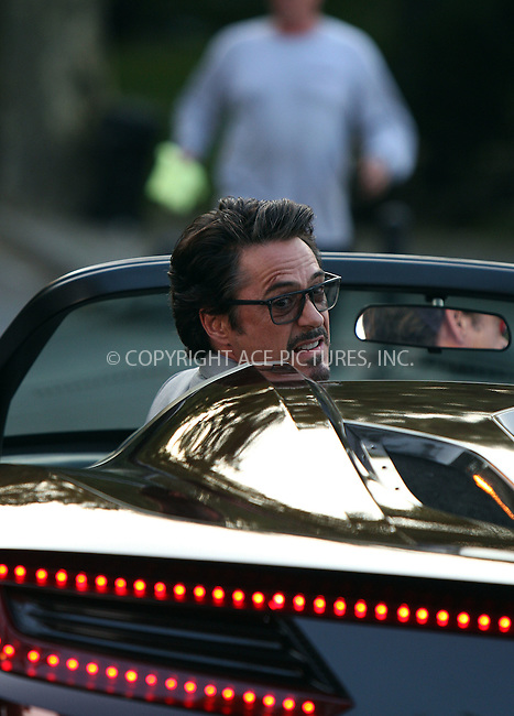 WWW.ACEPIXS.COM . . . . .  ....September 2 2011, New York City....Actor Robert Downey Jr on the Central Park set of the new movie 'The Avengers' on September 2 2011 in New york City....Please byline: PHILIP VAUGHAN - ACE PICTURES.... *** ***..Ace Pictures, Inc:  ..Philip Vaughan (212) 243-8787 or (646) 679 0430..e-mail: info@acepixs.com..web: http://www.acepixs.com