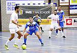 2015-10-30/ Voetbal / Seizoen 2015-2016/ Malle Beerse- Futsal Topsport Antwerpen / foto mpics.be / Nordin Amajoud zoekt de vrije man voor Beerse. Smail El Faroussi in de verdediging.