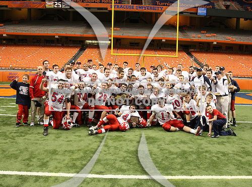 November 29, 2009:  Hornell Red Raiders vs. Nanuet Golden Knights in the NYSPHSAA Class-B State Championship game at the Carrier Dome in Syracuse, NY.  Hornell defeated Nanuet by the score of 16-14.  Photo Copyright Mike Janes Photography 2009 - PRINTS ARE AVAILABLE AT MAXPREPS.COM