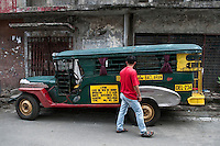 Philippines, Manila, 5 march, 2008..Colorful jeepney in Intramuros the oldest district of the city of Manila...Kleurrijke jeepney in Intramuros, het oudste district van Manila, de hoofdstad van de Filippijnen...Photo Kees Metselaar