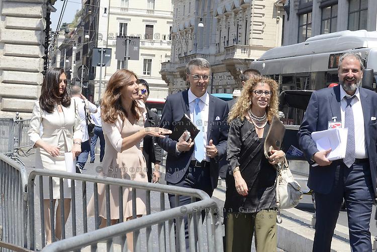 Roma, 2 Luglio 2015<br /> Presentata la relazione annuale dell'Autorit&agrave; nazionale anticorruzione al Parlamento.<br /> Raffaele Cantone al termine della relazione in Piazza Colonna con una parte dello staff