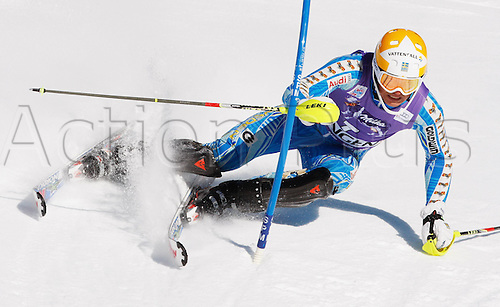 15.01.2012 Wengen, Switzerland.  Ski Alpine FIS World Cup Slalom the men Picture shows Andr頍yhrer SWE