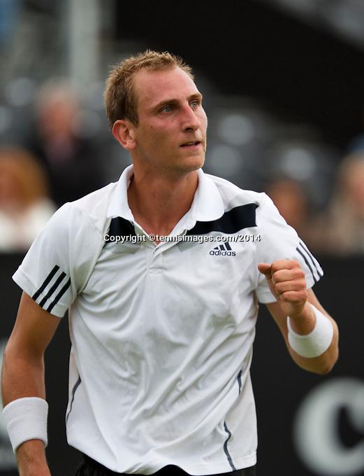 Netherlands, Den Bosch, 16.06.2014. Tennis, Topshelf Open, Thiemo de Bakker (NED) makes a fist after defeating Igor Sijsling (NED)<br /> Photo:Tennisimages/Henk Koster