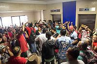 SAO PAULO, SP - 11.12.2014 - SINDISPREV E MTST INVADEM DELEGACIA DO TRABALHO - Cerca de 150 manifestantes invadem a Delegacia Regional do Trabalho e protestam em frente ao Ministério do Trabalho e Emprego no inicio da tarde desta quinta-feira (11) no centro de são Paulo. Pessoas do MTST, Sindisprev e Movimento Anarquista estão no ato que interdita sentido centro da R. Augusta.<br /> <br /> (Foto: Fabricio Bomjardim / Brazil Photo Press)
