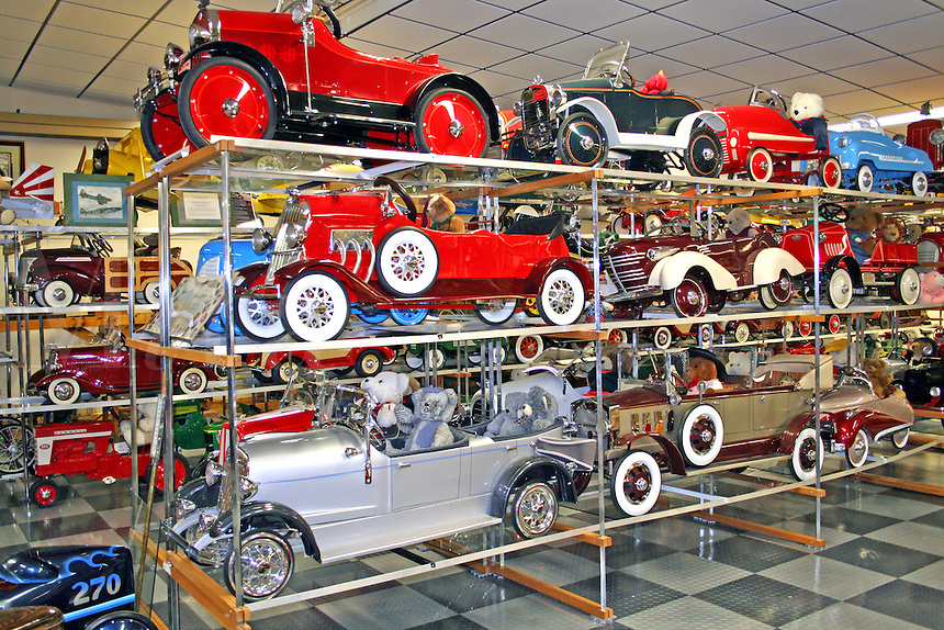 Vintage model cars in Tallahassee Automobile Museum Florida